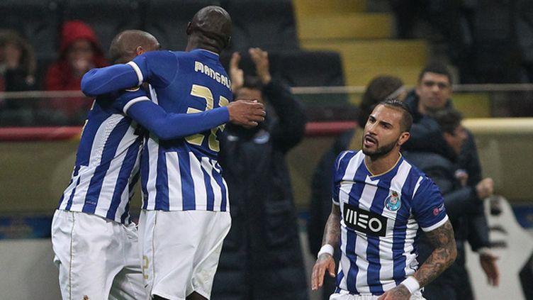 Les joueurs de Porto à la fête (DANIEL ROLAND / AFP)