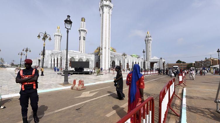 La grande mosquée de Dakar,inaugurée le 27 septembre 2019, a été financée par la puissante confrérie religieuse mouride. (SEYLLOU / AFP)