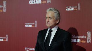 Michael Douglas, qui va recevoir son deuxième César d'honneur, vendredi 26 février 2016 au théâtre du Châtelet, à Paris. (KENZO TRIBOUILLARD / AFP)