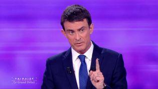 Manuel Valls lors du débat de l'entre-deux-tours de la primaire de la gauche, le 25 janvier 2017 sur France 2. (FRANCE 2)