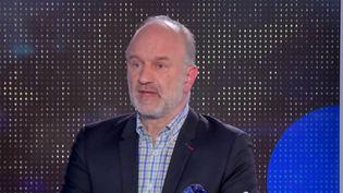 """Génocide rwandais : """"Le rôle de la France a été désastreux"""" estime Guillaume Ancel (Capture d'écran franceinfo)"""