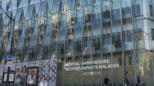 La jeune fille est morte à l'hôpital Necker de Paris, dans la nuit du mardi 24 au mercredi 25 mars. (RICCARDO MILANI / HANS LUCAS / AFP)