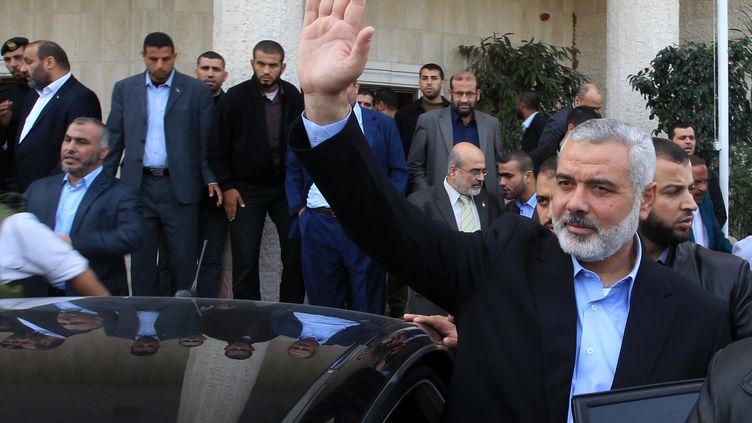 Le leader du Hamas dans la bande de Gaza, Ismaïl Haniyeh, le 16 novembre 2012 à Gaza City. (MAHMUD HAMS / AFP)