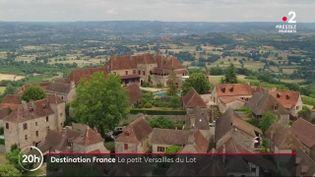"""À la découverte des plus beaux sites de notre pays, destination France vous emmène dans le Lot à la visite de celui qu'on surnomme """"le petit Versailles"""" à Autoire. (France 2)"""