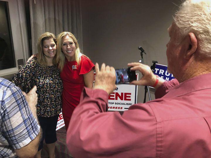 Marjorie Taylor Greene, le 1 août 2020, à Rome en Géorgie, durant sa campagne pour l'investiture républicaine. (MIKE STEWART/AP/SIPA / AFP)