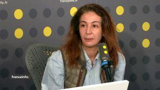 Doria Chouviat, la veuve de Cédric Chouviat, le livreur décédé le dimanche 5 janvier après d'un contrôle de police, invitée de franceinfo le 14 janvier 2020. (FRANCEINFO / RADIO FRANCE)