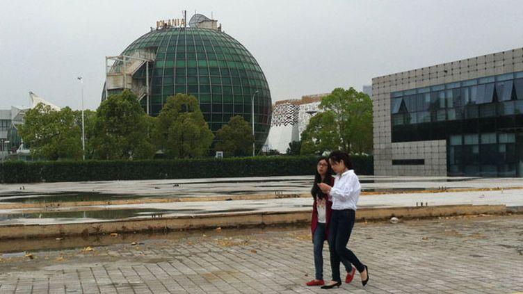 (L'ancien pavillon roumain de l'exposition universelle de Shanghai est dans un piteux état © Radio France /Delphine Sureau)