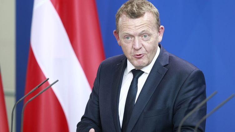 Le Premier ministre danois, Lars Lokke Rasmussen, s'exprime lors d'une conférence de presse, le 28 août 2015, à Berlin (Allemagne). (REYNALDO PAGANELLI / NURPHOTO / AFP)