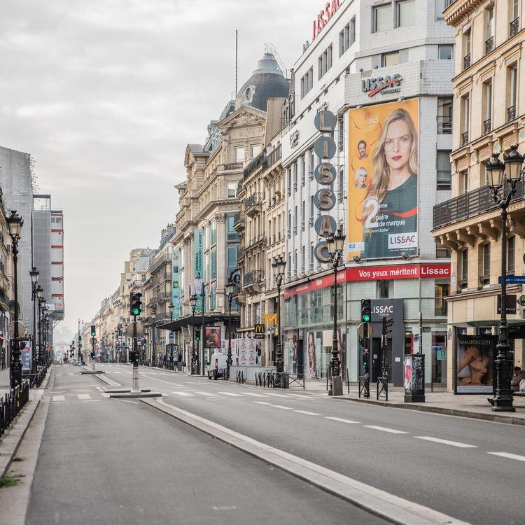 Unerue déserte, à Paris, le 17 mars 2020. (MAXPPP)