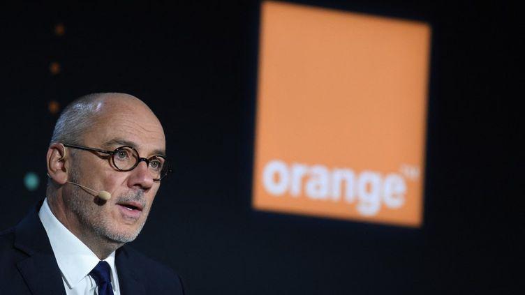 Le PDG d'Orange, Stéphane Richard, lors de la présentation des résultats annuels du groupe, le 13 février 2020 à Paris. (ERIC PIERMONT / AFP)