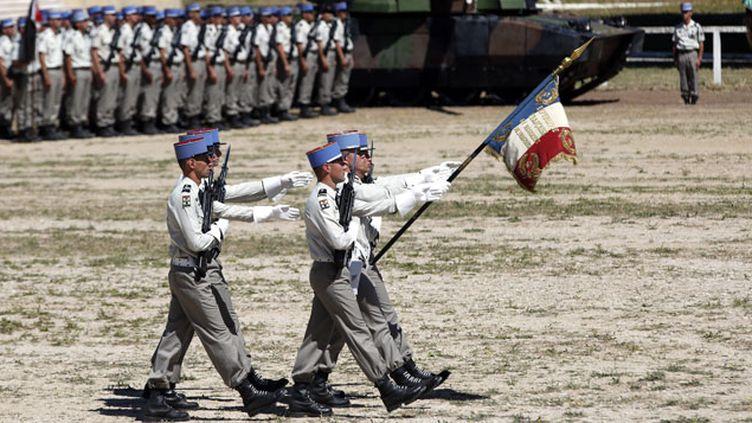 (Cérémonie de dissolution du 4ème régiment de dragons au Camp de Carpiagne en juillet 2014. © Maxppp)