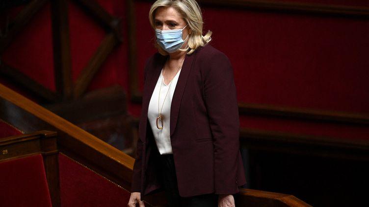 La présidente du Rassemblement National Marine Le Pen à l'Assemblée nationale à Paris, le 4 mai 2021. (CHRISTOPHE ARCHAMBAULT / AFP)