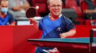 Thomas Bouvais lors du tournoi de simple des Jeux paralympiques de Tokyo en catégorie 8, dimanche 26 août. (NGUYEN TUAN / France Paralympique)