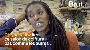 """VIDEO. """"Un lieu de partage"""" : dans les coulisses d'un salon de coiffure pas comme les autres (BRUT)"""