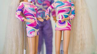 Des Barbie exposée au musée de la poupée deGross Ilsede (Allemagne), le 30 septembre 2014. (OLE SPATA / DPA / AFP)