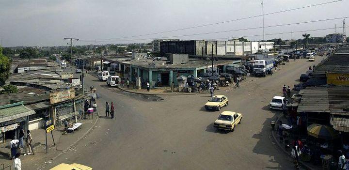 C'est dans cette commune d'Abobo qu'ont commencé à sévir «les microbes» durant la crise post-électrale, avant d'essaimer dans les autres quartiers d'Abidjan. (Photo AFP/Sia Kambou)
