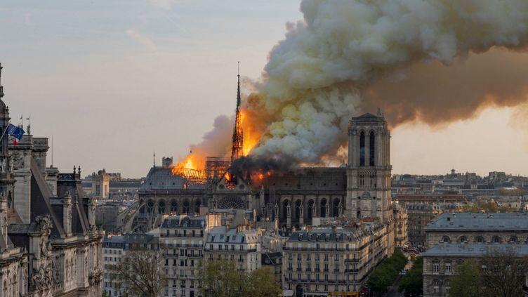 La cathédrale Notre-Dame de Paris est abîmée par un incendie, le 15 avril 2019. (FABIEN BARRAU / AFP)