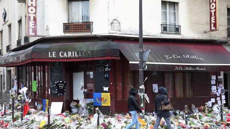 Une femme est jugée pour avoir prétendu qu'elle avait été blessée lors de l'attentat contre le Carillon à Paris dans le 10e arrondissement de Paris, le 13 novembre 2015. (GUILLAUME GEORGES / MAXPPP)