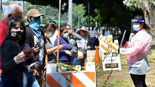 Un point de test au coronavirus, à Los Angeles (Californie), le 17 juillet 2020. (FREDERIC J. BROWN / AFP)
