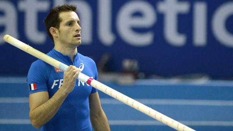 Renaud Lavillenie (ADRIAN DENNIS / AFP)