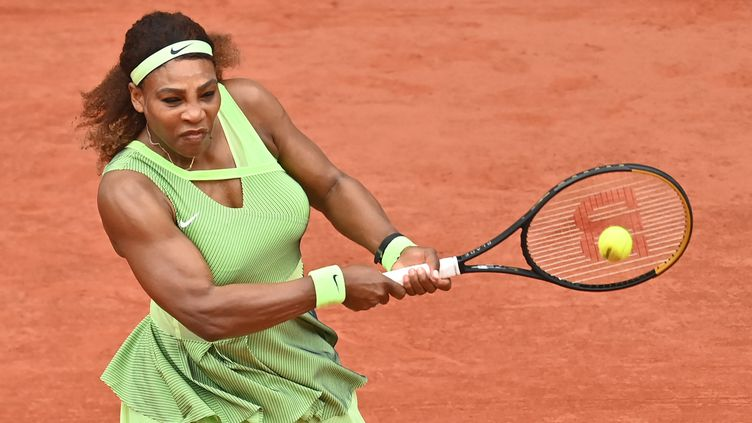 Serena Williams lors de sa victoire contre Danielle Collins au 3e tour de Roland-Garros, le 4 juin 2021. (MUSTAFA YALCIN / ANADOLU AGENCY)