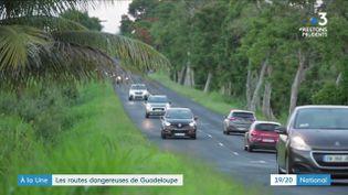 En Guadeloupe, le taux de mortalité sur les routes est deux fois plus élevé que dans l'Hexagone.Sur l'île, les contrôles sont renforcés et les conducteurs sensibilisés. (France 3)