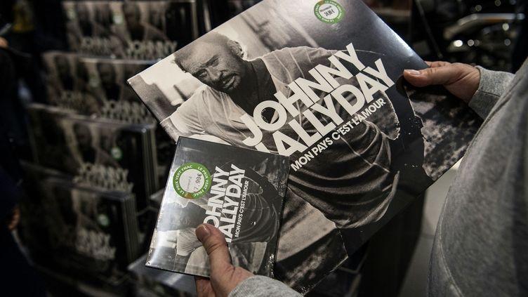 L'album posthume de Johnny Hallyday s'est écoulé comme des petits pains en première semaine.  (Christophe ARCHAMBAULT / AFP)