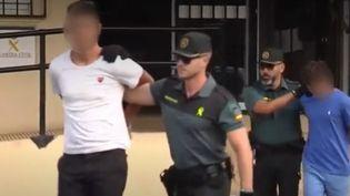 À Benidorm (Espagne), cinq touristes français ont été arrêtés mercredi 7 août par la garde civile, soupçonnés de viol en groupe.  (France 3)
