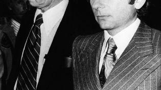 Roman Polanski, cinéaste et son avocat, à Santa Monica (Californie), le 18 aout 1977 (STR / UPI)