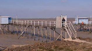 Des carrelets, cabanes de pêcheurs typiques de Charente-Maritime. (FRANCE 3)