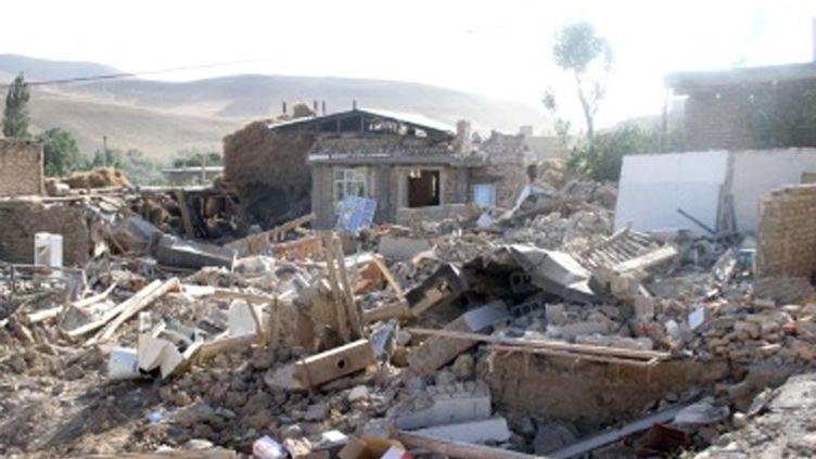 Une maison détruite par le séisme qui a touché la ville de Bushehr (Iran) et fait 32 morts mardi 9 avril 2013. (REUTERS)