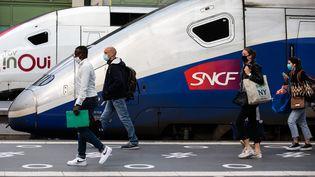 Un TGV, gare de Lyon, le 13 mai 2020. (ALEXIS SCIARD  / MAXPPP)