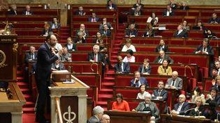Edouard Philippe à la tribune de l'Assemblée nationale, à Paris, le 3 mars 2020. (LUDOVIC MARIN / AFP)
