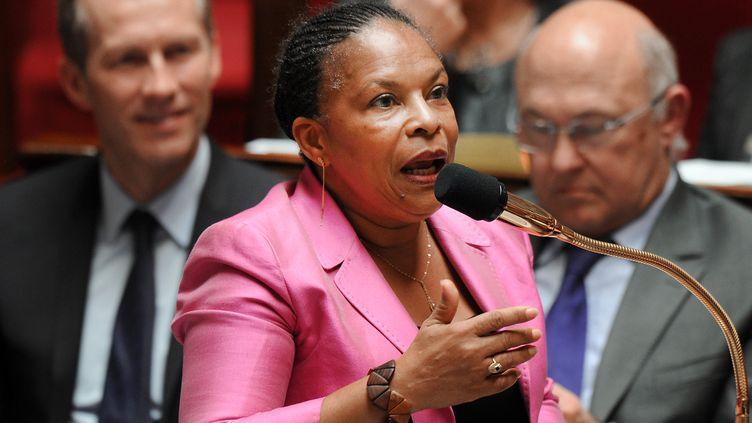 Christiane Taubira répond aux députés lors des questions au gouvernement, à l'Assemblée nationale (Paris), le 24 avril 2013. (PIERRE ANDRIEU / AFP)