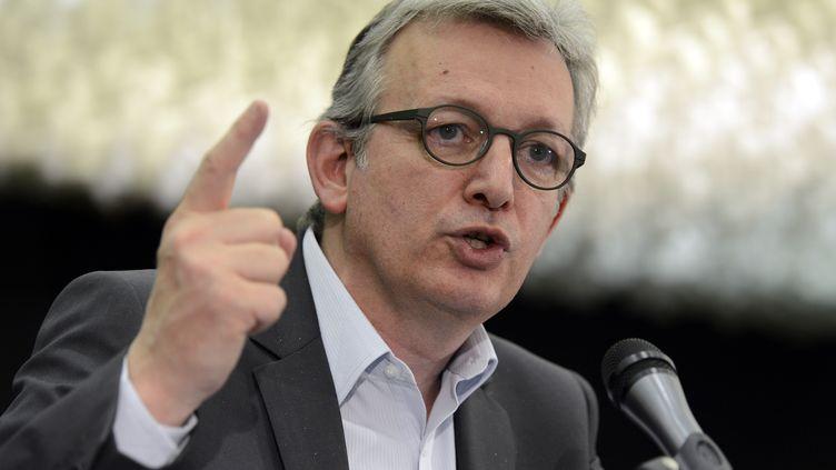 Pierre Laurent, le secrétaire national du PCF, le 8 avril 2013 au siège de son parti à Paris. (BERTRAND GUAY / AFP)