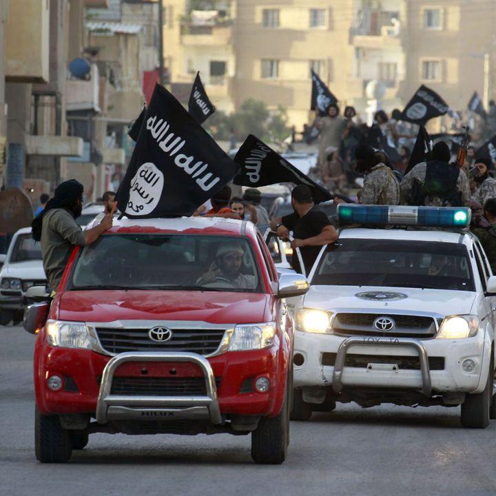Démonstration de force de l'Etat islamique dans la province de Raqqa, en Syrie (REUTERS PHOTO / STRINGER)