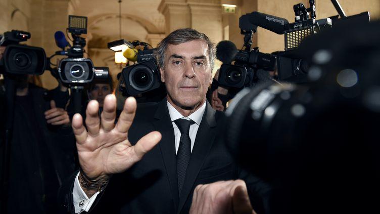 L'ancien ministre du Budget, Jérôme Cahuzac, le 8 février 2016 à son arrivée au tribunal. (LIONEL BONAVENTURE / AFP)