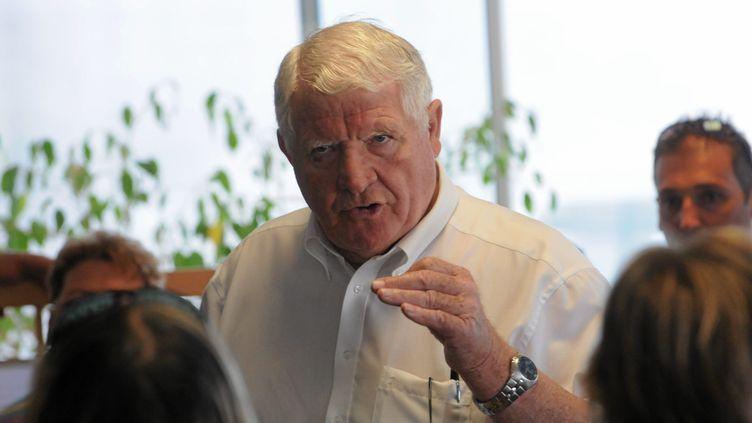 Laurent Spanghero rend visite aux salariés de Spanghero, le 5 juillet 2013 à Castelnaudary (Aude). (MAXPPP)