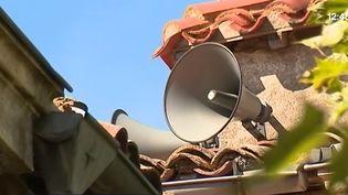 Un haut-parleur pour tenir informée la population dans l'Aude. (FRANCE 3)