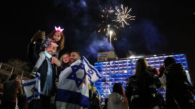 Grâce au succès de la campagne de vaccination contre le Covid-19,la fête de l'indépendance est célébrée quasi normalementen Israëljeudi 15 avril 2021. (ABIR SULTAN / EPA)