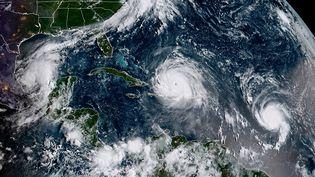 Une image satellite montre les ouragans Irma et José, jeudi 7 septembre 2017. (JOSE ROMERO / NOAA/RAMMB / AFP)