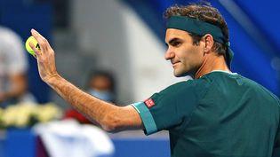 Après seulement trois matches joués en 2021,Roger Federerattaque Roland-Garros, lundi 30 mai, face àDenis Istomin. (SAMER AL-REJJAL / QATAR TENNIS FEDERATION)