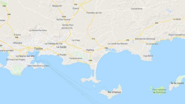 Une dizaine de personnes ontagresséun policier de la BAC de Toulon, jeudi 1er novembre à Hyères (Var). (GOOGLE MAPS)