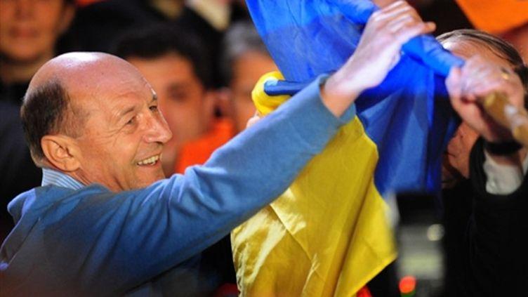 Le président sortant, Traian Basescu (AFP PHOTO/ DANIEL MIHAILESCU)