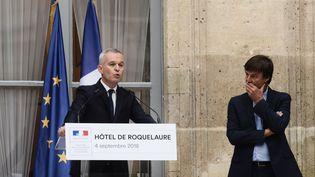 Le nouveau ministre de la Transition écologique et solidaire, François de Rugy, lors de la passation de pouvoirs avec Nicolas Hulot, le 4 septembre 2018 à Paris. (PHILIPPE LOPEZ / AFP)
