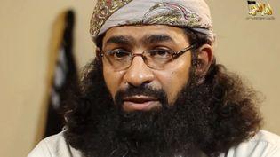Khalid Batarfi, dit Abou Miqdad el-Kindi, sur une capture d'écran d'une vidéo de l'organisation terroriste Al-Qaïda dans la péninsule arabique (Aqpa). (HO / AL-MALAHEM MEDIA / AFP)