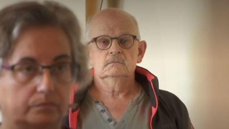 La commune de Haute-Savoie a perdu l'un de ses enfants, Alain Bertoncello. Des habitants lui ont rendu hommage mardi 14 mai à la mairie. (FRANCE 3)
