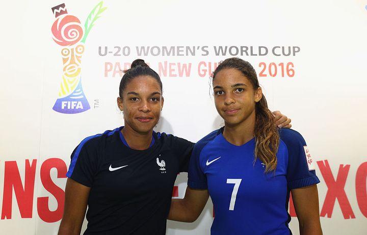 Delphine Cascarino et Estelle Cascarino en novembre 2016. (IAN WALTON - FIFA / FIFA via Getty Images)