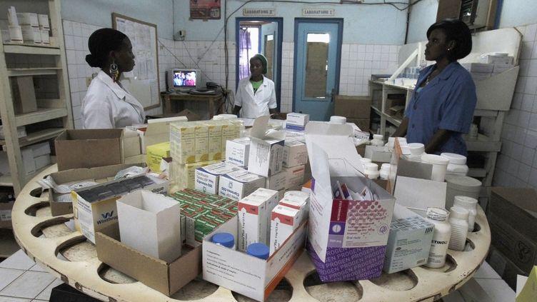 Pharmacie de l'hôpital général de Man, dans l'ouest de la Côte d'Ivoire, le 4 juillet 2013 (REUTERSLUC GNAGO / X01459)