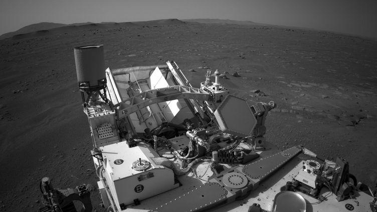 Le robot Perseverance sur Mars, le 22 février 2021. (NASA / MAXPPP)